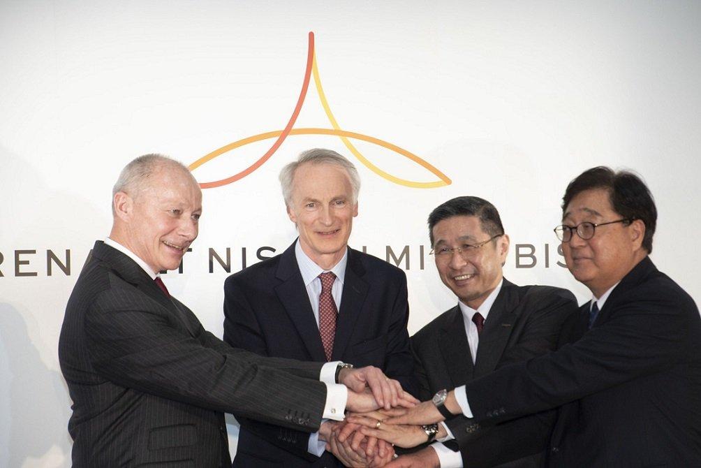 Thierry Bolloré, Jean-Dominique Senard (CEO y presidente de Renault); Hiroto Saikawa (CEO de Nissan) y Osama Masuko (CEO de Mitsubishi), las principales caras de la alianza automovilística franco-nipona