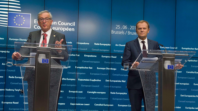 Jean Claude Juncker y Donald Tusk comparecen ante prensa tras el Consejo Europeo