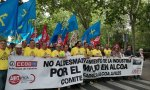 Manifestación de los empleados de Alcoa ante el Ministerio de Industria, una de sus muchas movilizaciones en los últimos meses