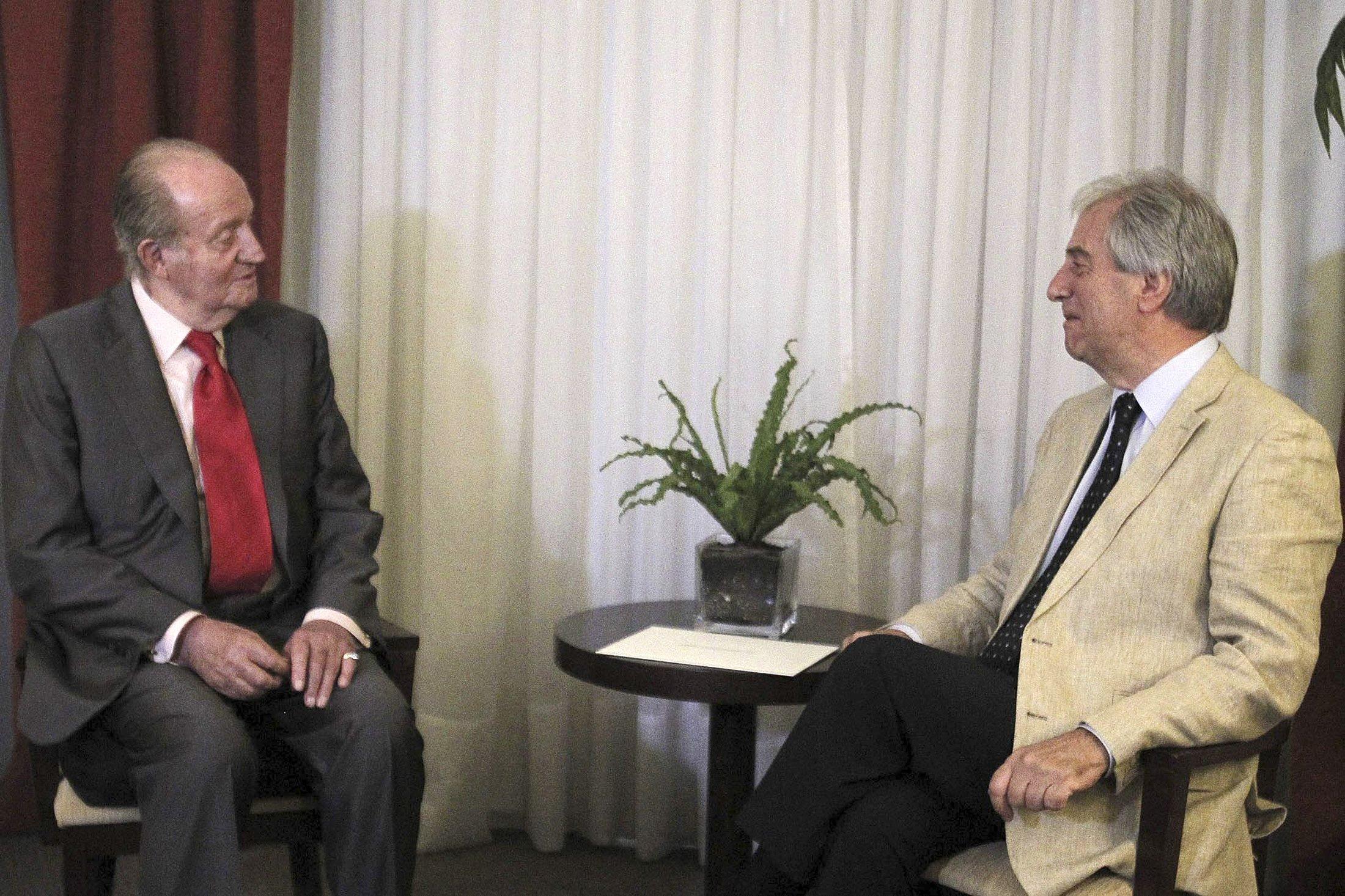 El Rey Juan Carlos refrenda con su presencia las políticas NOM de Mujica y Vázquez en Uruguay