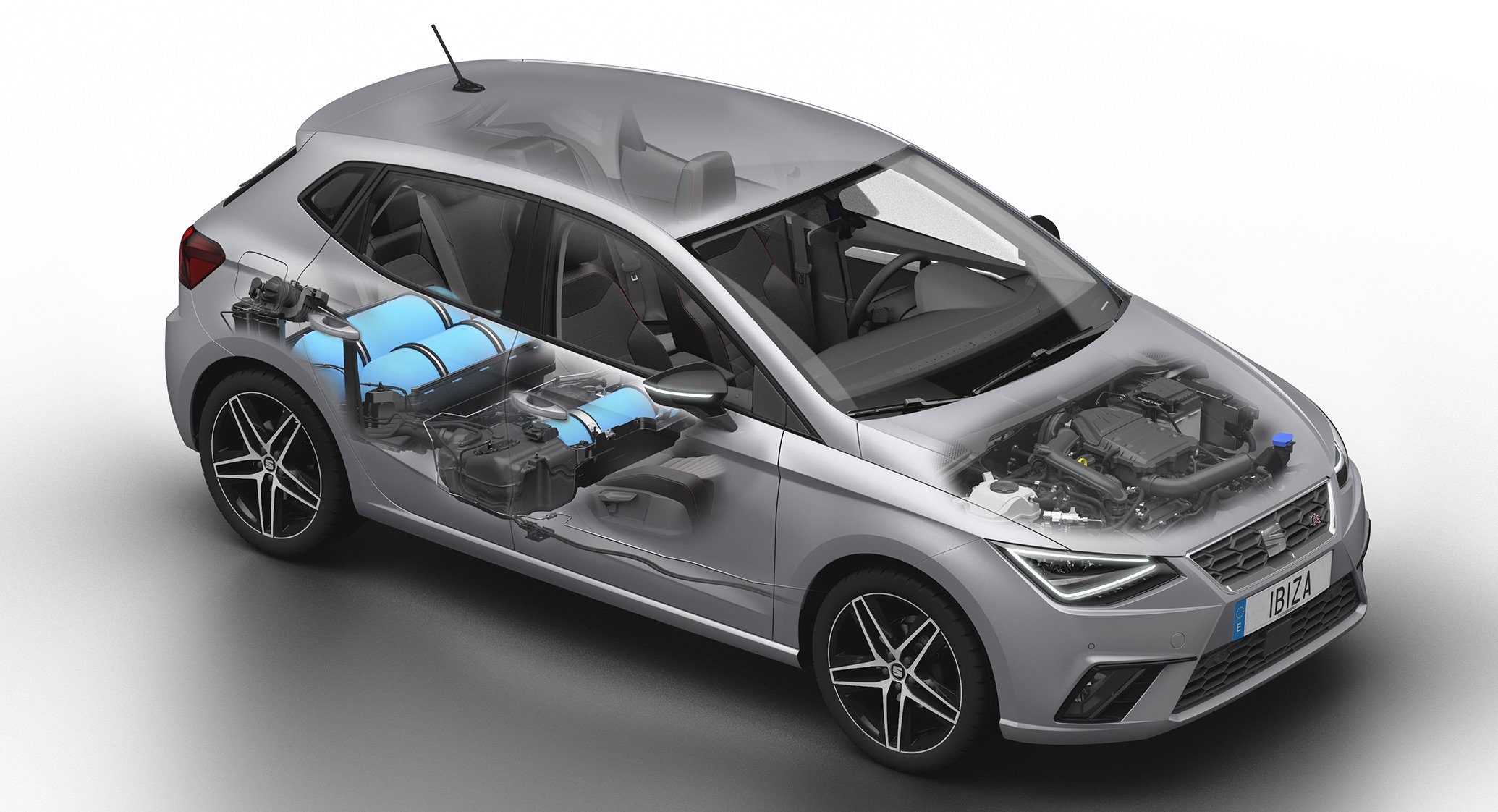 Seat mantiene su apuesta por el coche de gas, aunque a largo plazo: en 2014 vendió 3.500 vehículos en Europa, 93 en España