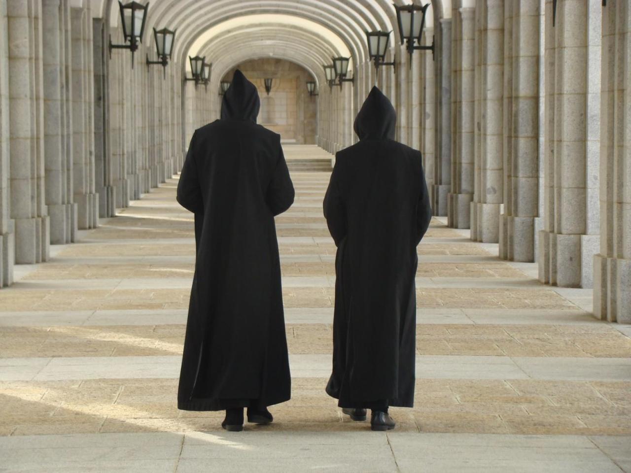 Monjes Benedictinos de la abadía del Valle de Los Caídos