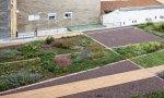 Mercadona transforma cubiertas deterioradas en jardines urbanos