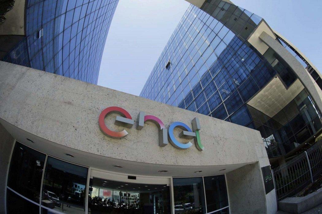 ENEL controla el 70% de Endesa, a la que por ahora ordeña a través de jugosos dividendos