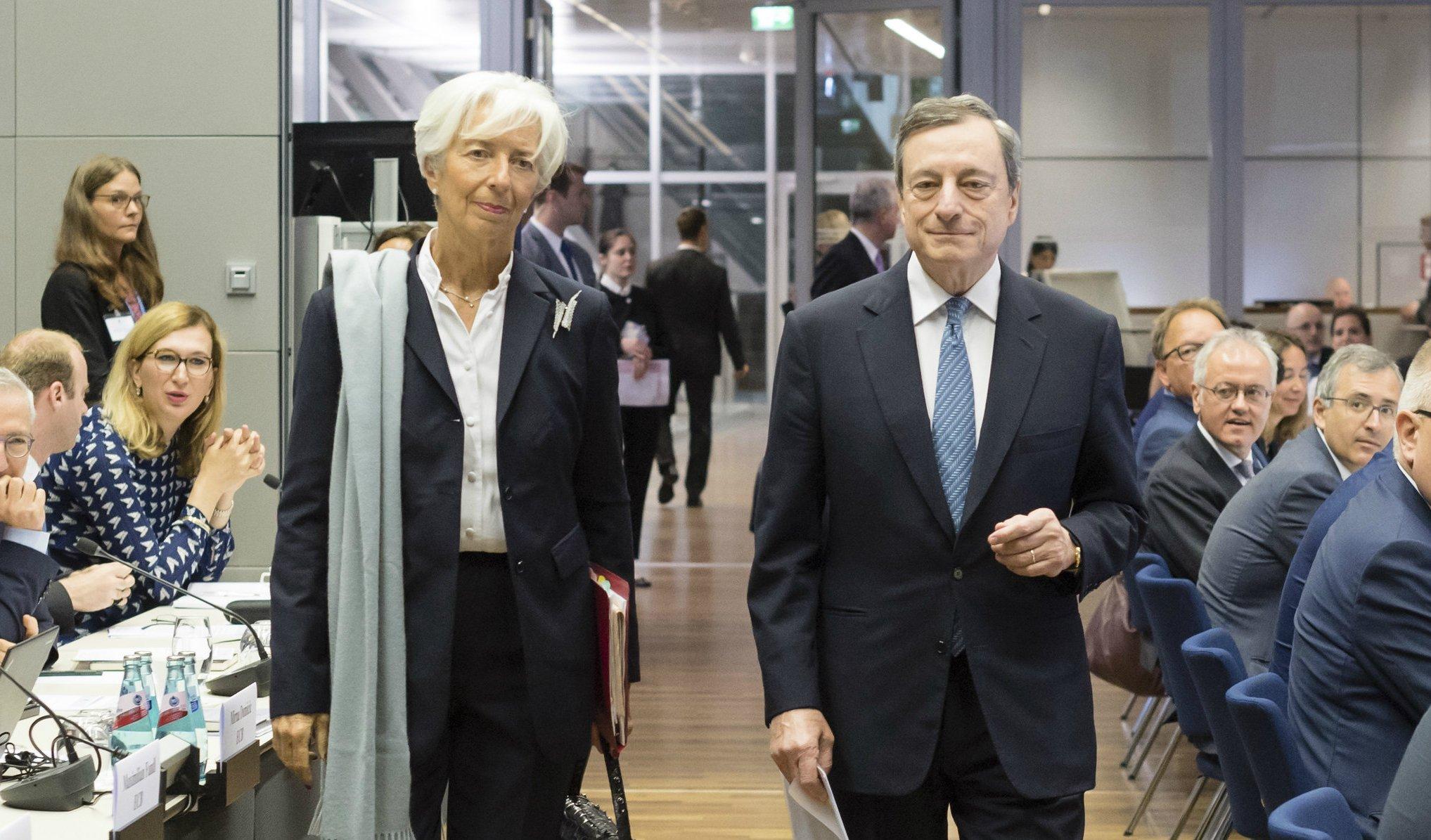Lagarde y su antecesor Draghi