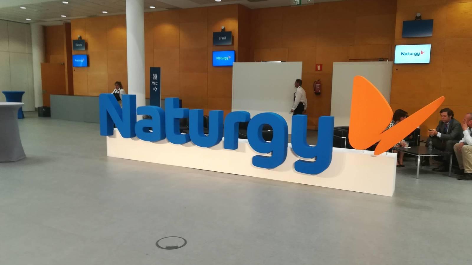 Primera advertencia de Naturgy a la CNMC tras el anuncio de recortes al gas: 300 empleados, a casa de manera temporal
