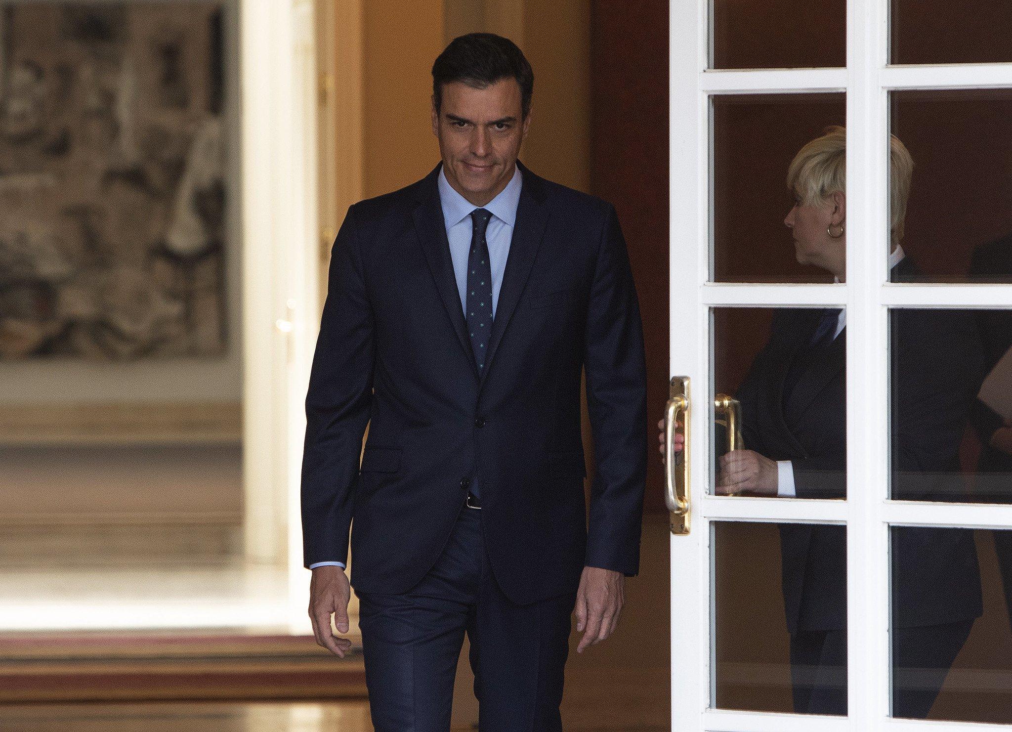 Pedro Sánchez venció la cadáver de Francisco Franco