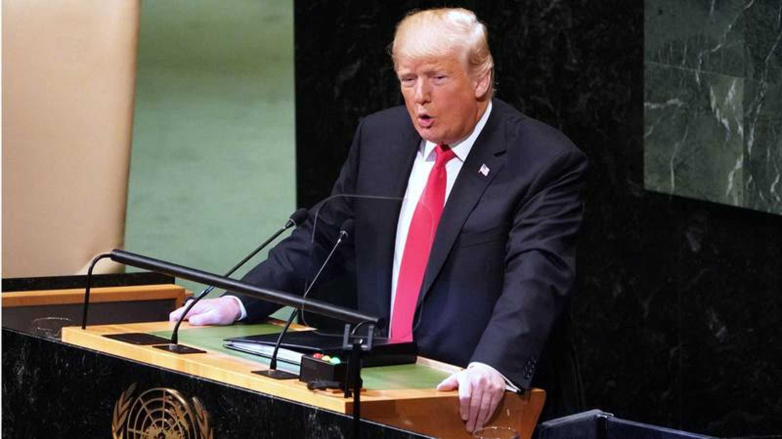 """Trump vende su plan para Medio Oriente como """"un gran paso hacia la paz"""", pero los palestinos no lo compran e Irán lo califica como """"traición del siglo"""""""