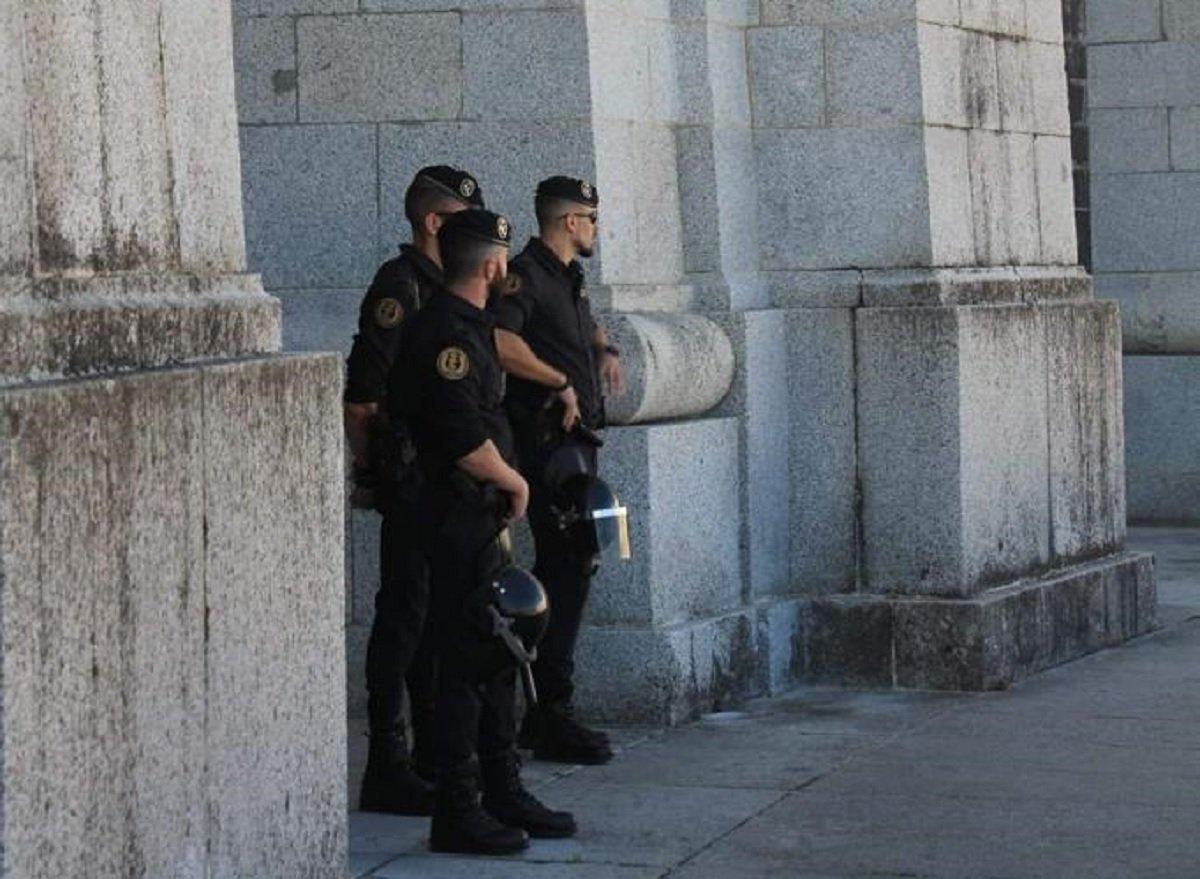 Contra los peligrosos asistentes a misa