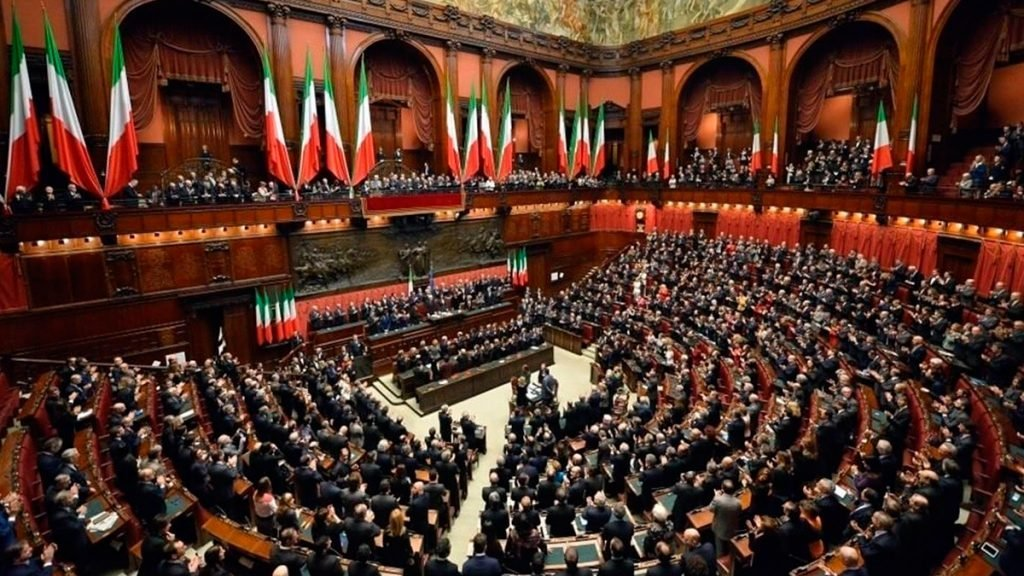 Multitudinario Parlamento italiano