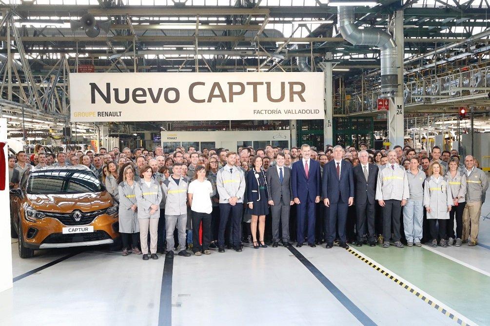 El Rey visita la fábrica de carrocería y montaje de Renault en Valladolid, dos días después de estar en la de PSA de Figueruelas