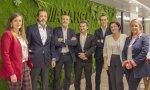 Responsables de Abanca y Lanzadera en la sede coruñesa de la entidad financiera