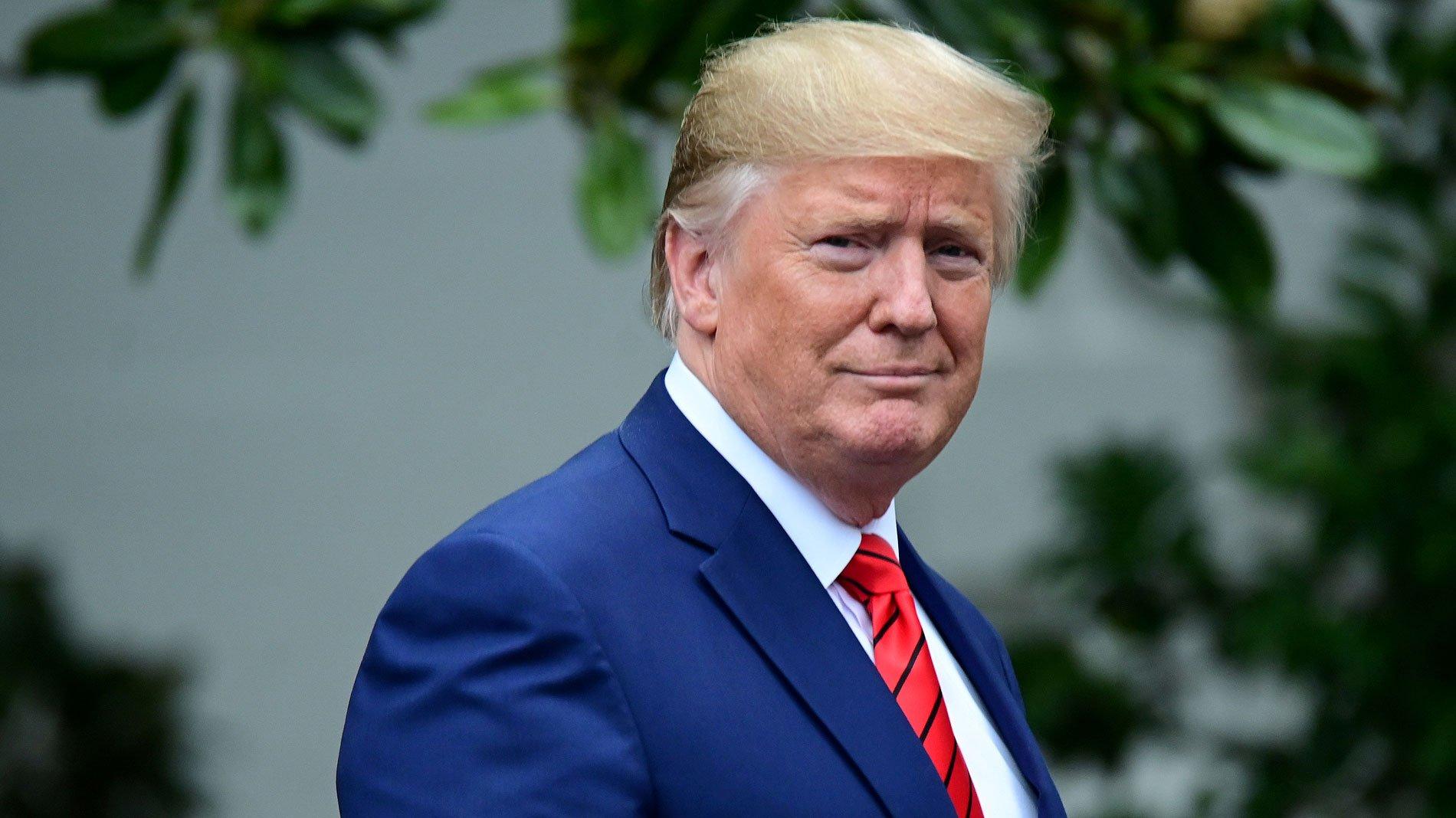 """Trump anima a ir a trabajar, porque """"el remedio no puede ser peor que la enfermedad"""""""