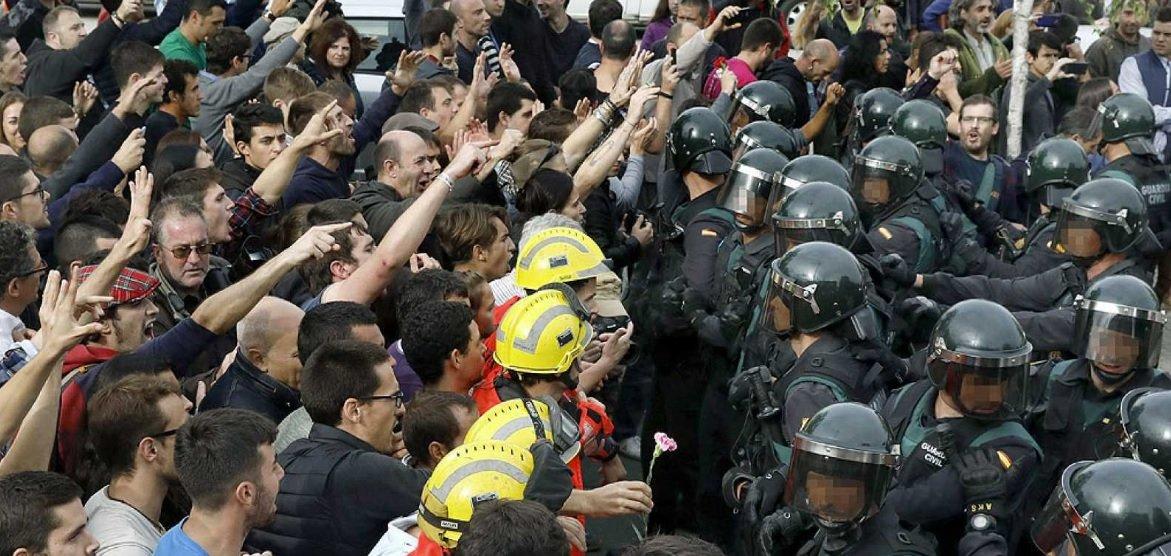 Policía y Guardia Civil en el 1-O