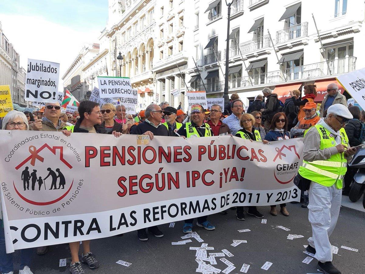 Marcha de pensionistas hacia el Congreso de los Diputados