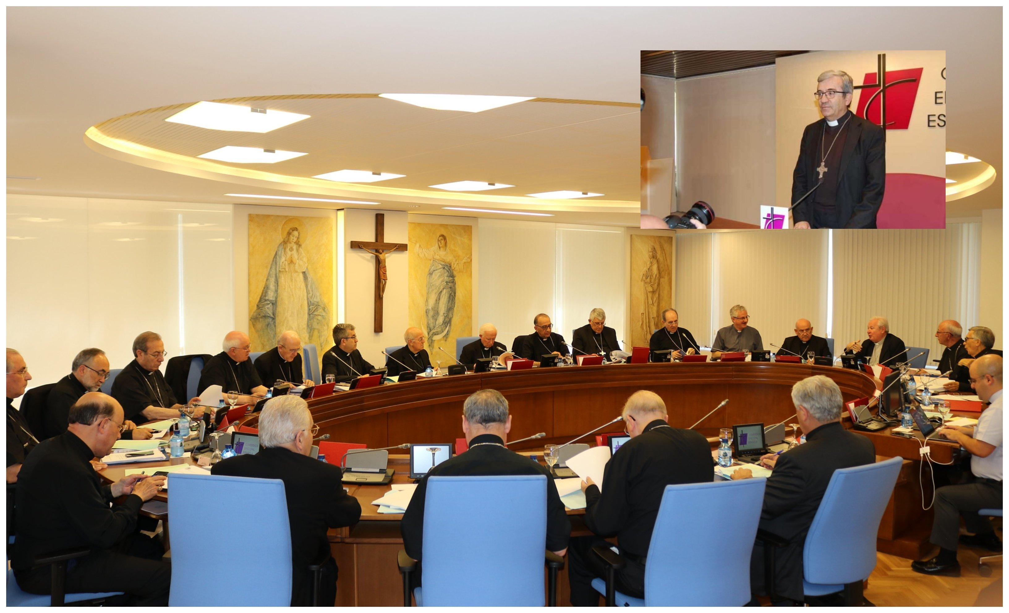 la Conferencia Episcopal Española y su secretario general, Luis Argüello