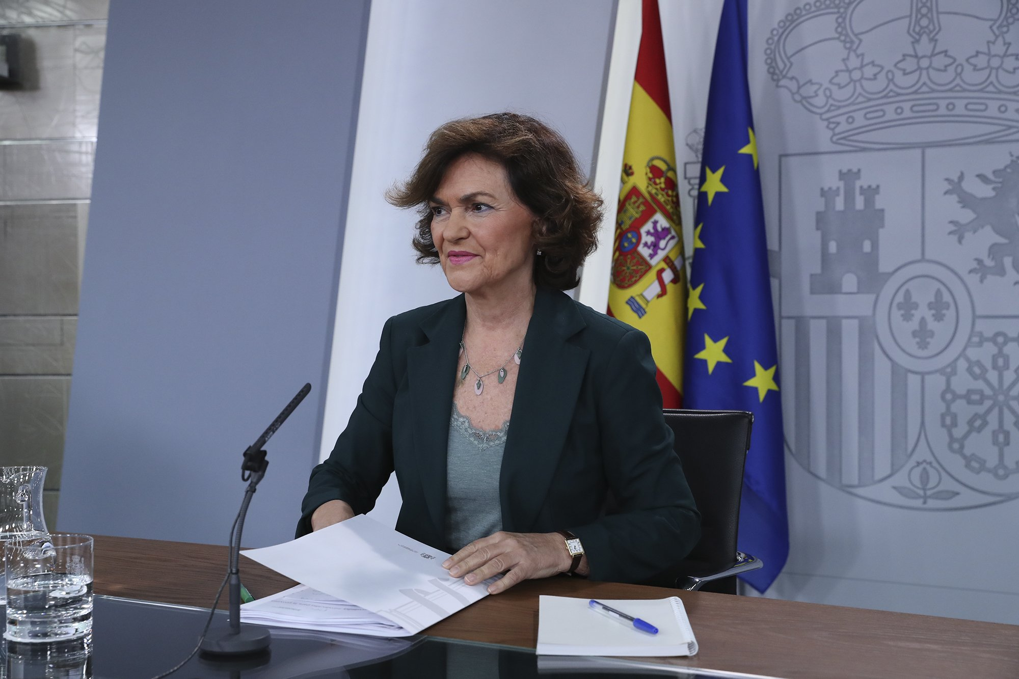 """El PSOE ya cede. Carmen Calvo: la reunión de mañana con ERC será """"entre Gobierno y Gobierno"""""""