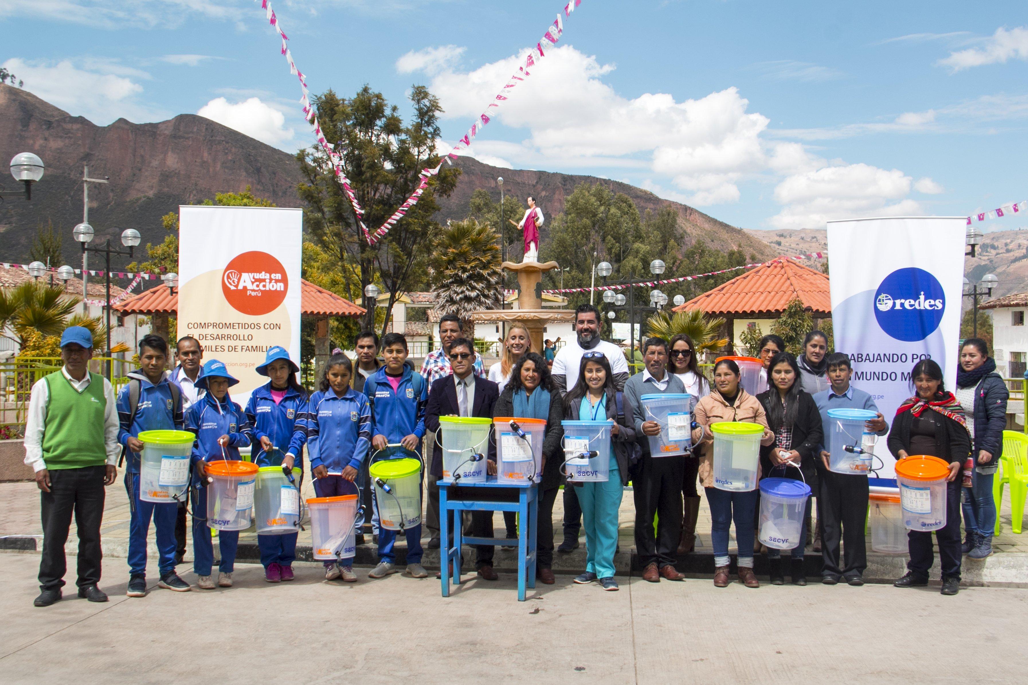 Imagen del equipo del voluntariado de agua en Acobamba Perú