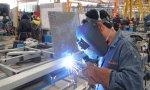 La producción industrial cae en Europa y en España en tasa anual