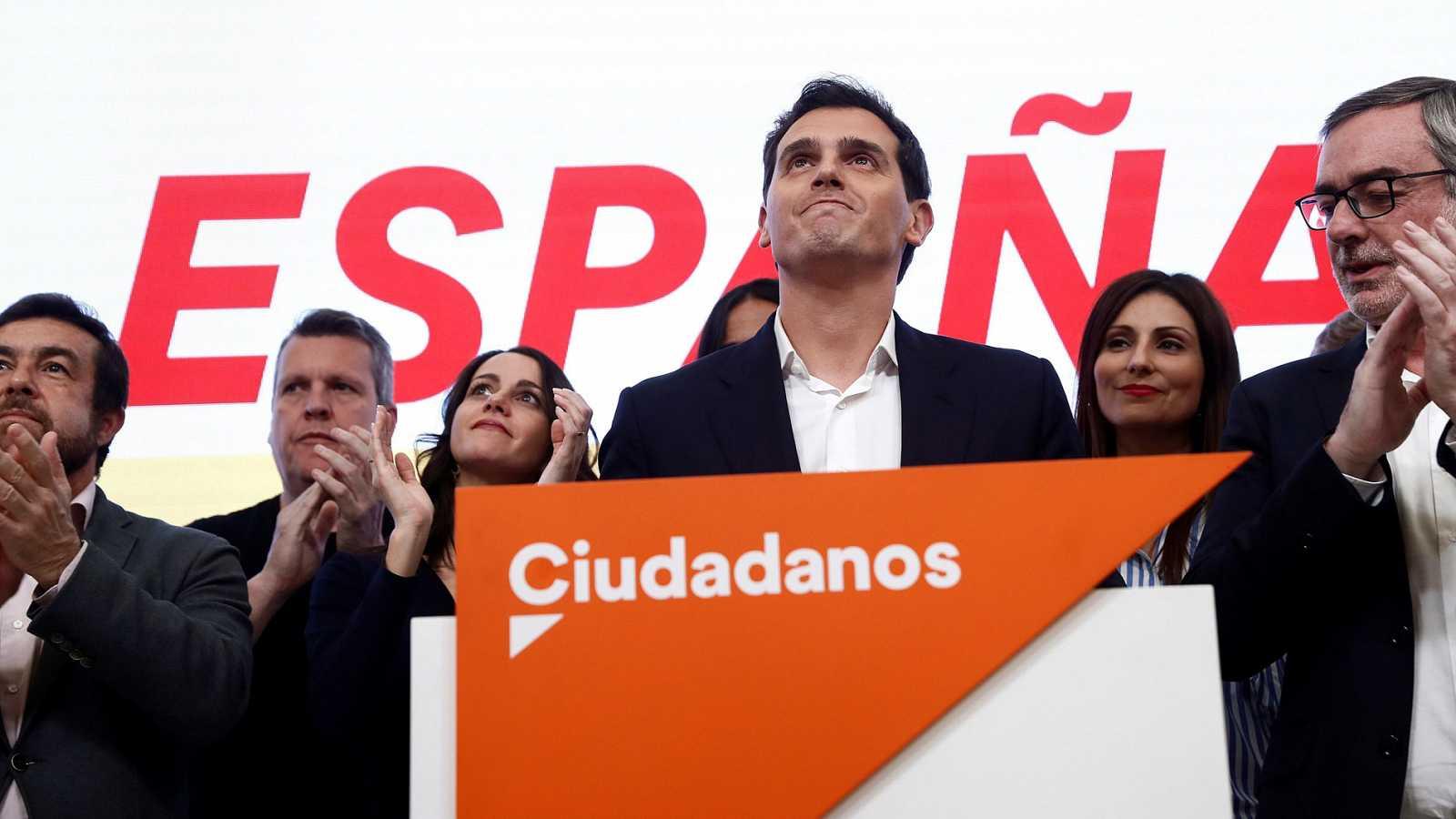 Rivera da una lección a todos y dimite: como presidente, como diputado y como político