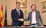 """Sánchez e Iglesias firman un preacuerdo para un Gobierno de coalición """"progresista"""" que dure cuatro años"""