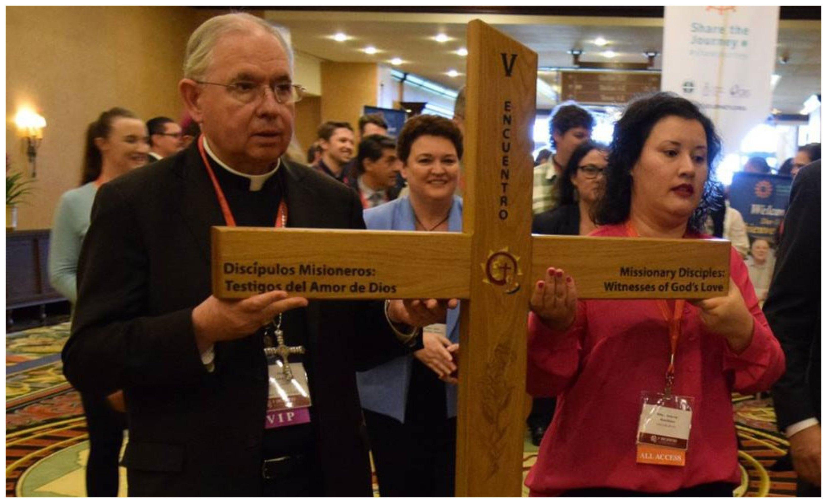 Un hispano, monseñor José Gómez, elegido presidente de los obispos de EEUU. ¿Le hará gracia a Trump?