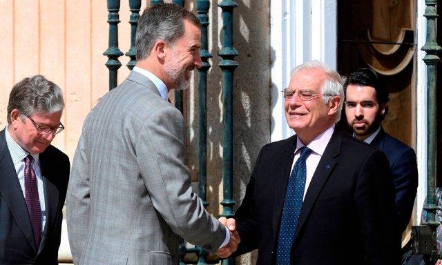 Felipe VI y Borrell