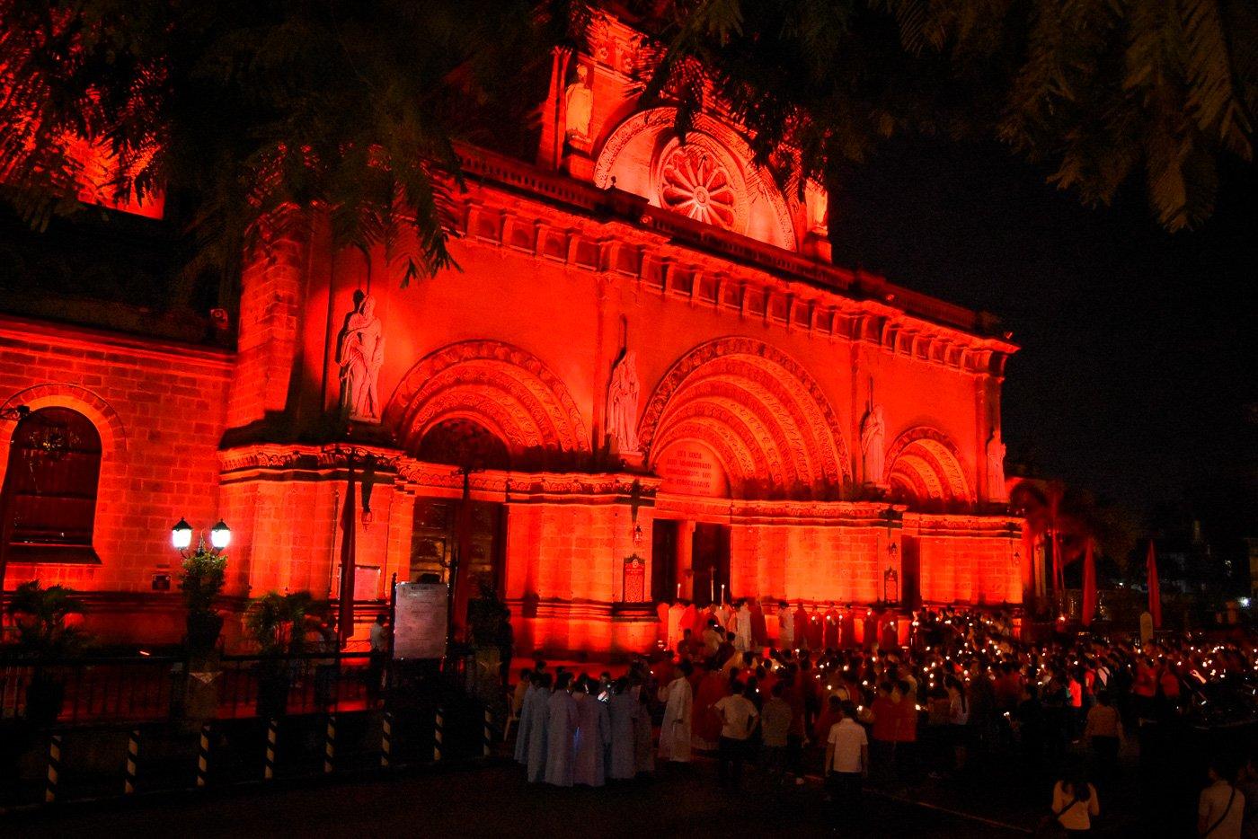 El próximo 27 de noviembre monumentos e iglesias de quince países se iluminarán de rojo para concienciar sobre la persecución de cristianos