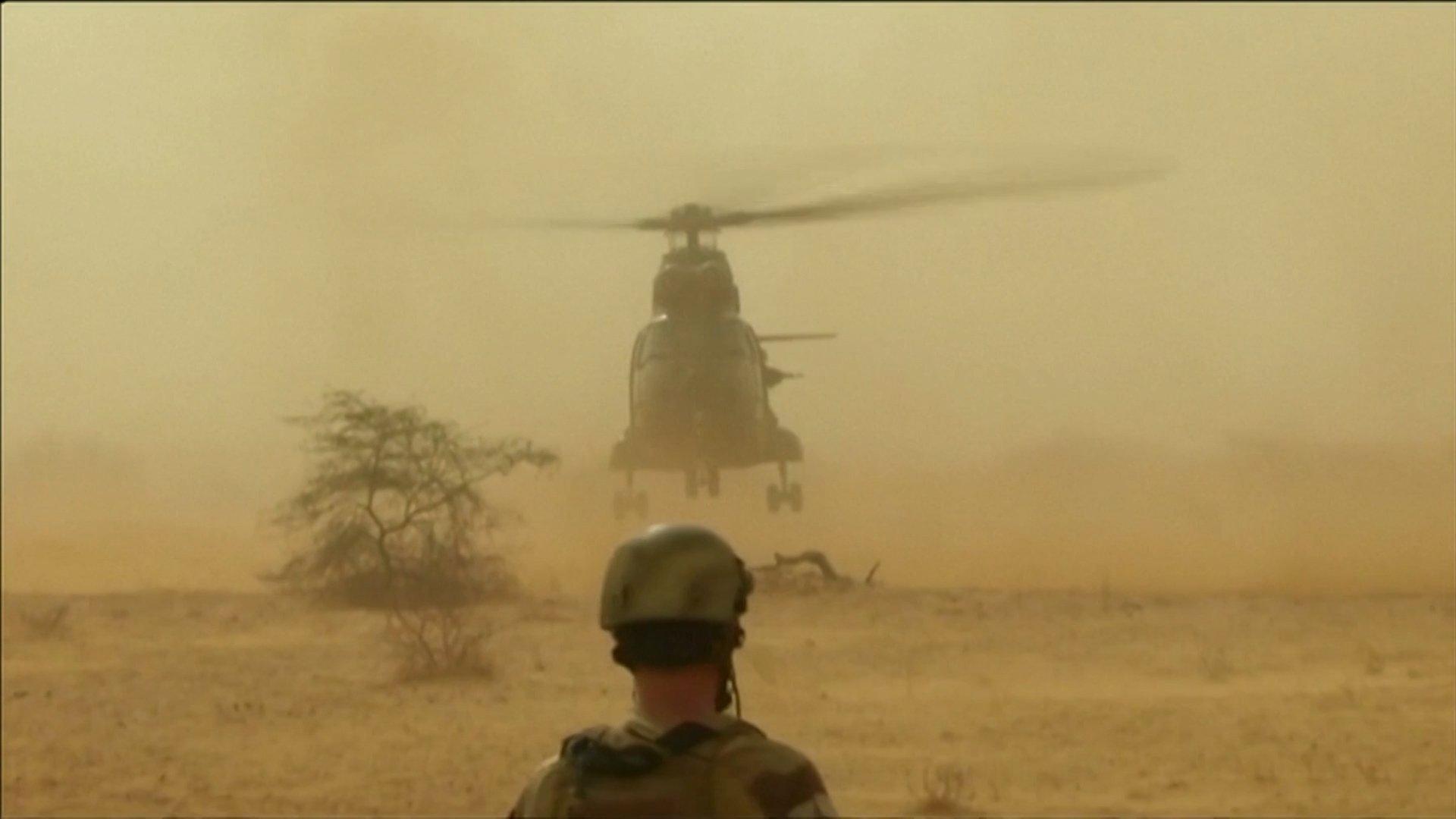 helicóptero francés