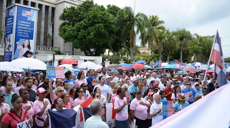 República Dominicana marcha por la familia