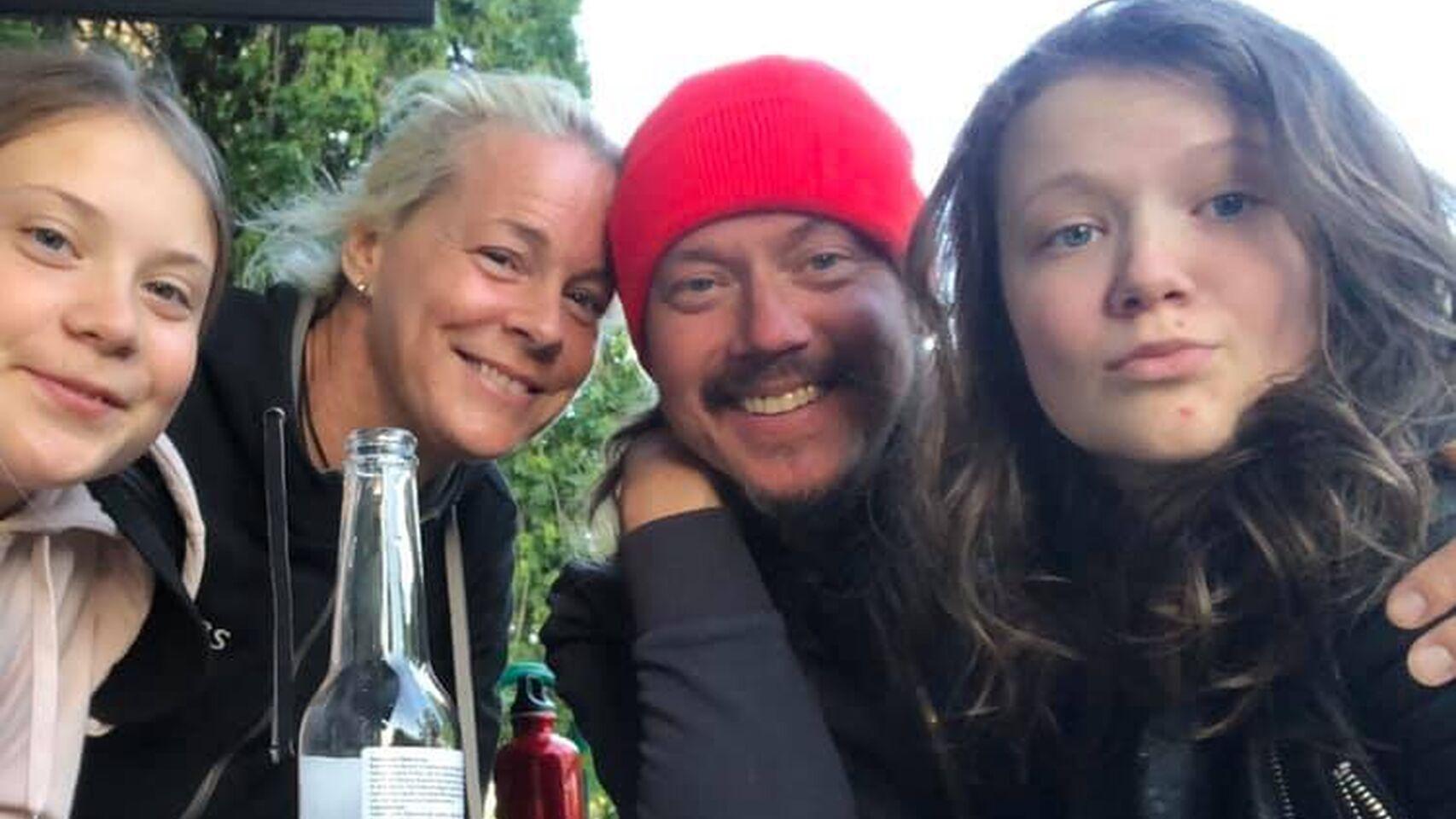 Greta y Beata con sus papás