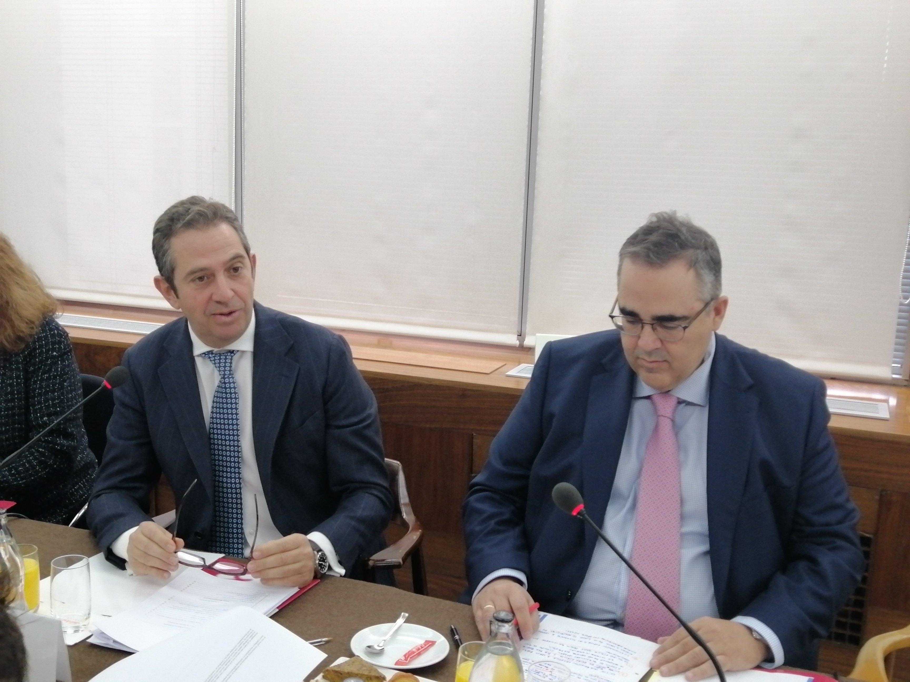 El Presidente del Instituto de Estudios Económicos, Íñigo Fernández de Mesa, y su Director General, Gregorio Izquierdo
