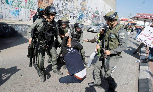 Periodistas detenidos mientras ejercían su labor