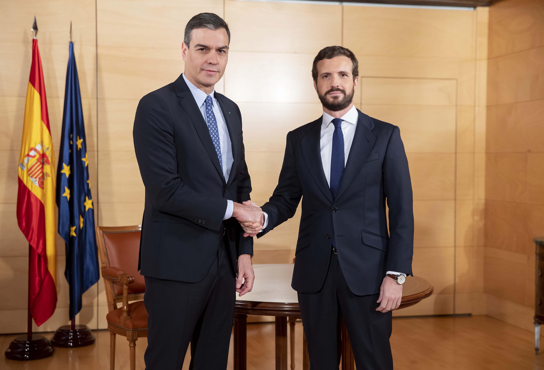 Casado decepciona a la derecha social y Sánchez exige la abstención del PP… a cambio de nada