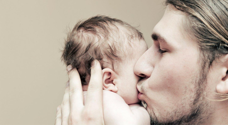 La baja por paternidad para los varones subirá de 8 a 12 semanas, a partir del 1 de enero de 2020