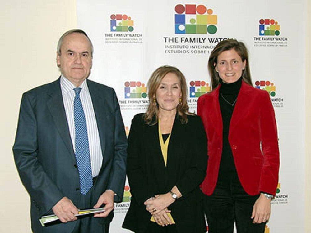 La directora de The Family Watch, María José Olesti (en el centro) apuesta por los ODS de Naciones Unidas para mejorar el futuro de las familias españolas. ¡Ay madre!