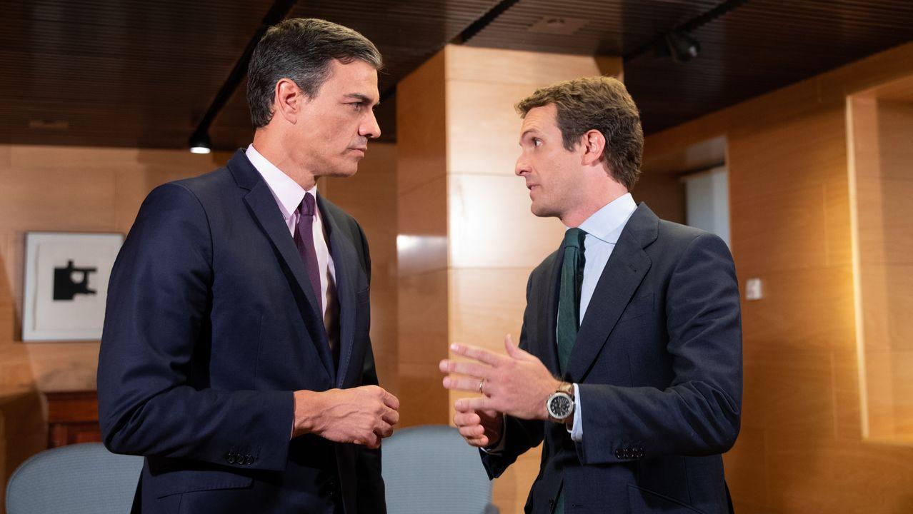 Pedro Sánchez y Pablo Casado durante un encuentro en el Congreso de los Diputados