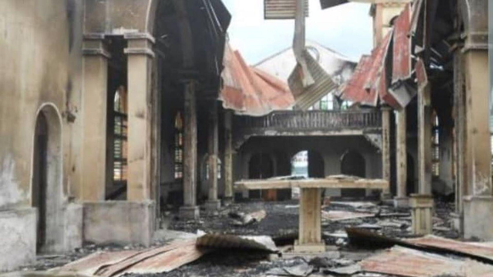 Guinea Ecuatorial: un incendio consume la catedral de Malabo, de influencia española