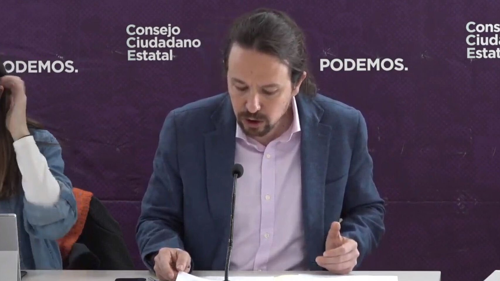 Él quería que fuera una mujer pero se sacrifica: Pablo Iglesias se presenta a la reelección como secretario general de Podemos