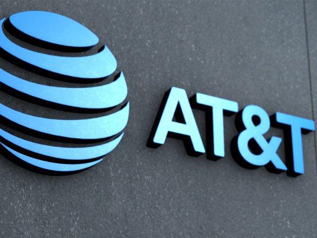 AT&T ganó 13.903 millones de dólares en 2019, un 28,2% menos, por la caída en las suscripciones de la TV por satélite