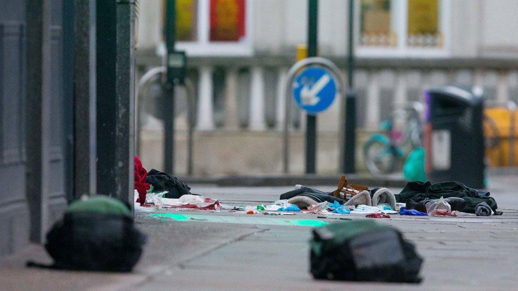 Otra vez terrorismo yihadista en Londres: la Policía mata a un hombre que había apuñalado a tres personas