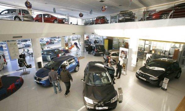Las ventas de coches no empiezan bien el año en España (-...