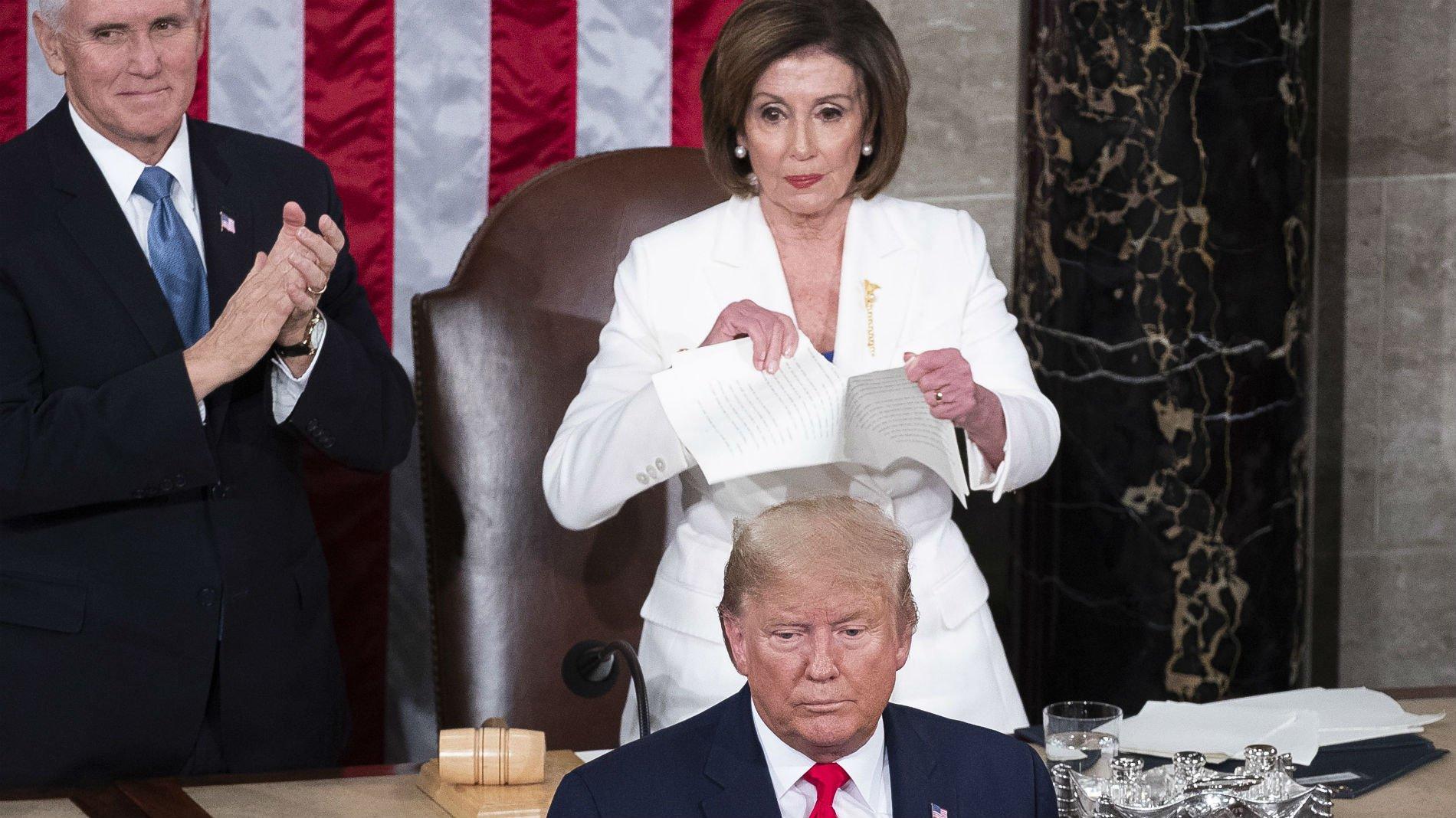 Nancy Pelosi rompe el discurso del presidente, Donald Trump