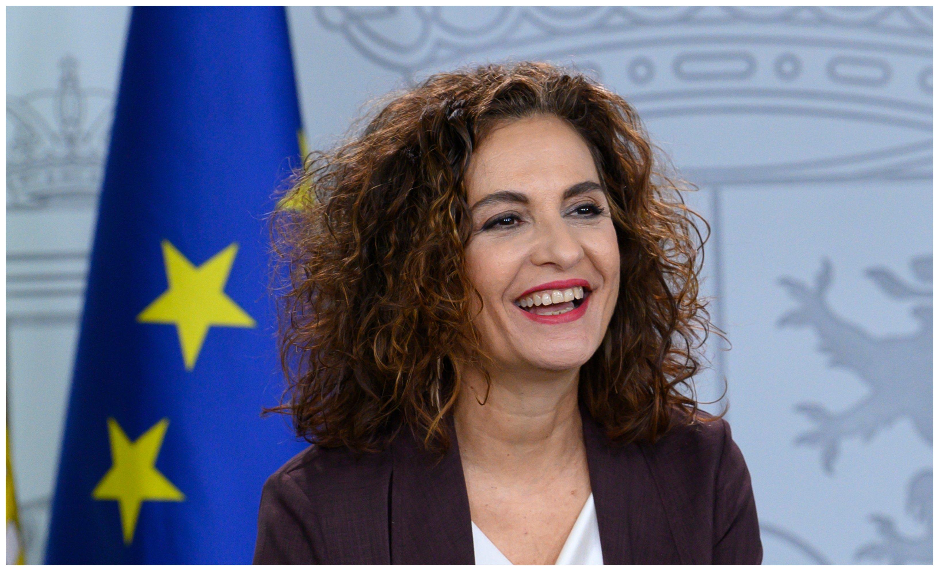 Hacienda. Montero y sus trucos contables: retiene un pago de 5.291 millones para cuadrar el déficit con la UE