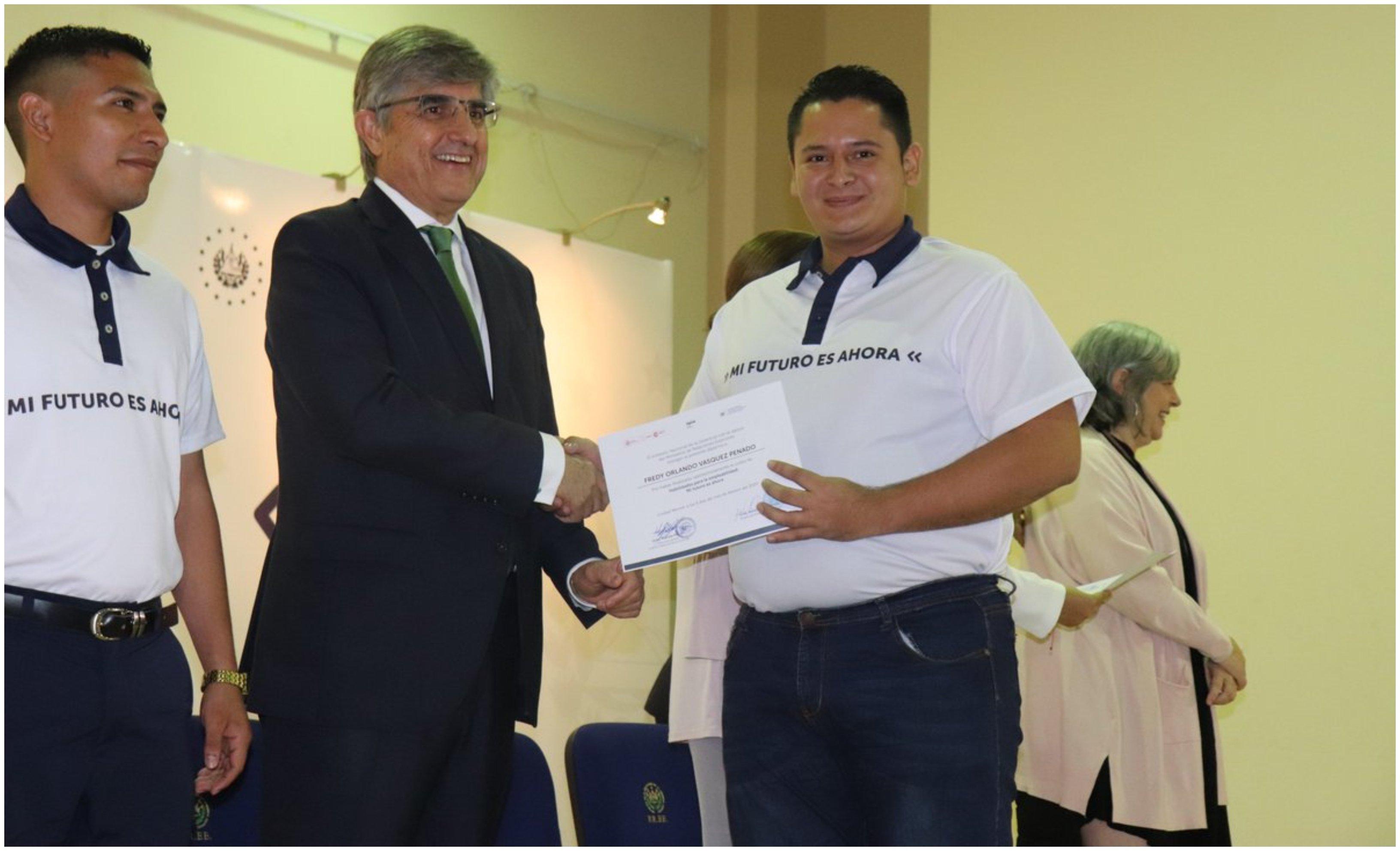 Federico Torres, embajador en El Salvador