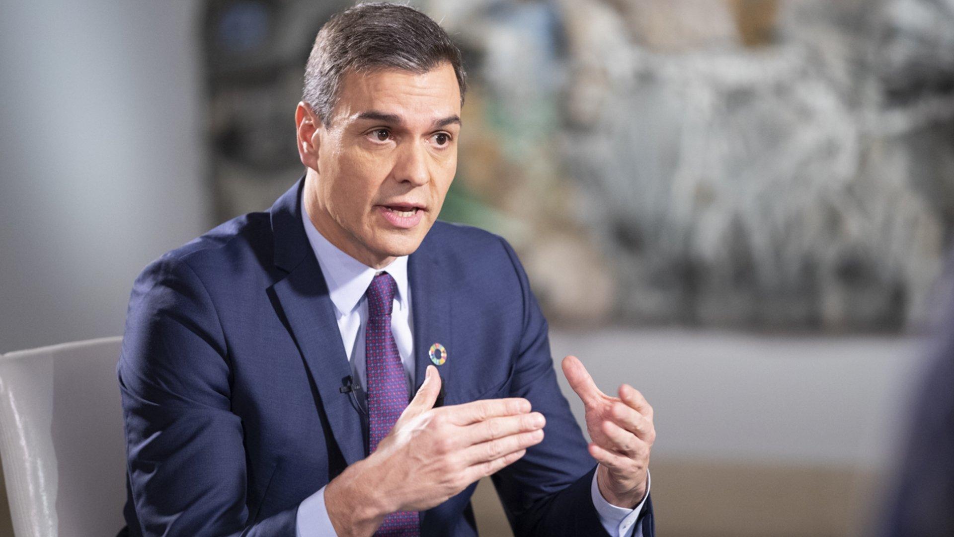 Pedro Sánchez sobreactúa más que habla.