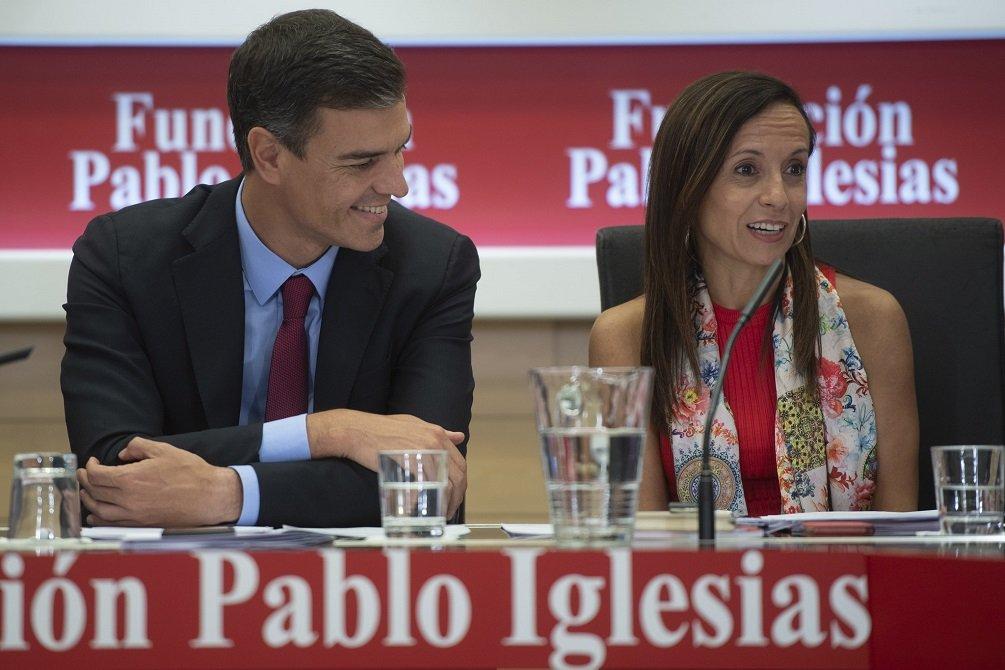 Los amigos Pedro Sánchez y Beatriz Corredor en un acta de la Fundación Pablo Iglesias