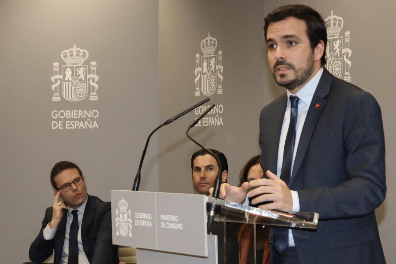 Puritano y comunista. Alberto Garzón persigue la publicidad sobre el juego pero no el juego