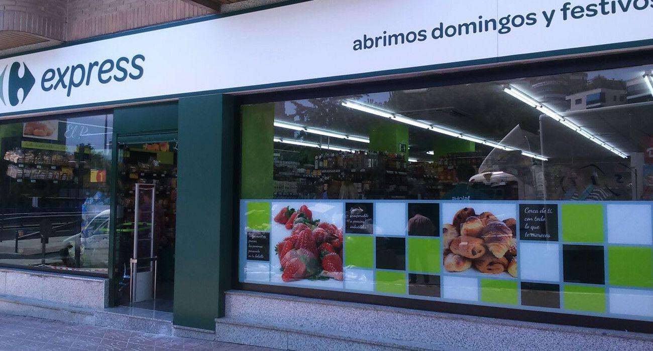 Carrefour. ¿Funciona el modelo de tiendas Express, pequeñas? Las ventas en España crecen un 0,4% en 2019. Las del grupo caen un 0,4%