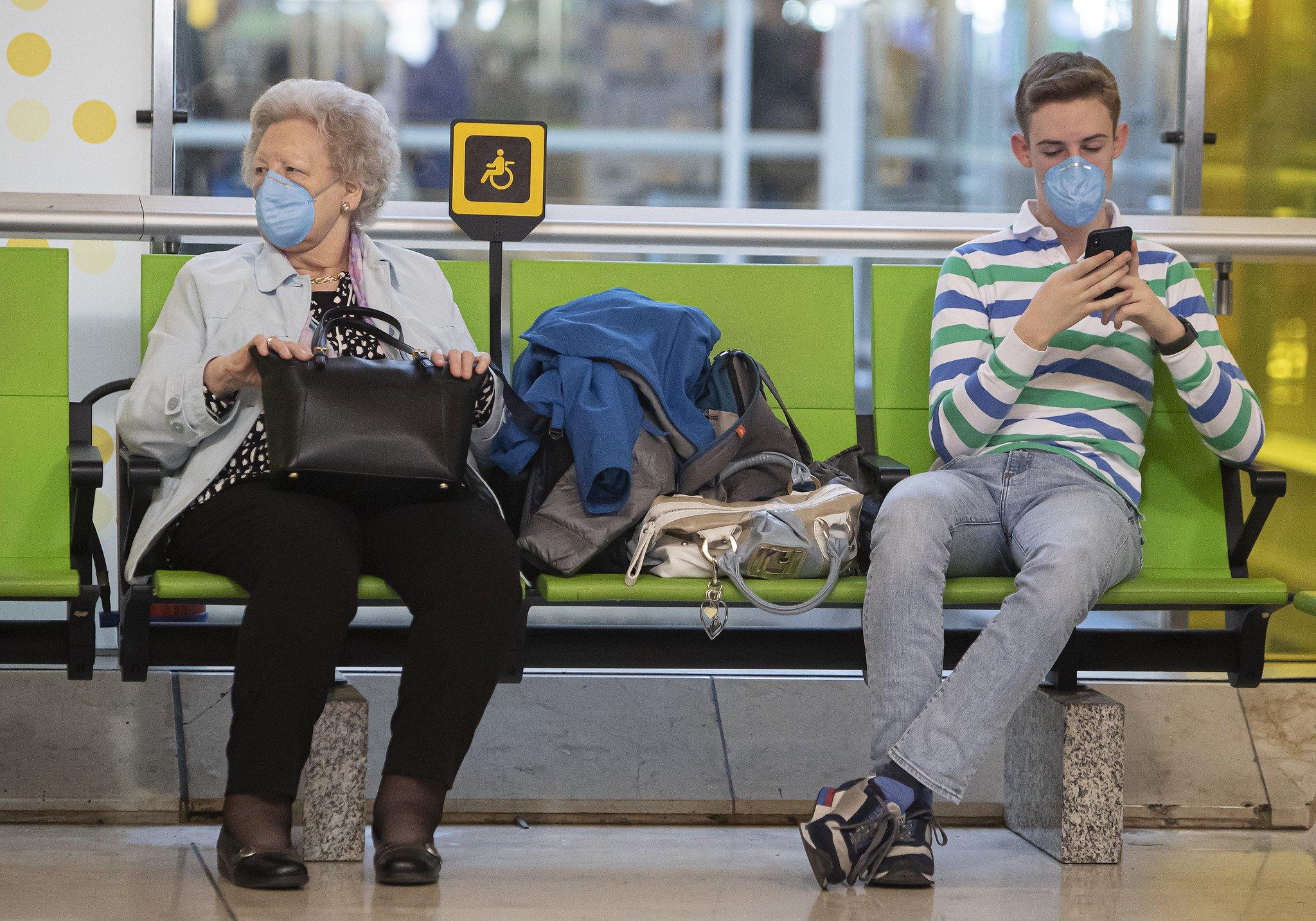 Último balance del coronavirus: unos cien mil afectados en todo el mundo y casi 3.500 muertos